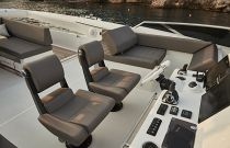 Prestige Yachts 680S Double Bridge Helm Chairs
