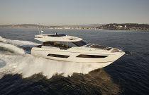 Prestige Yachts 680S Running Image