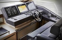 Prestige Yachts 680S Lower Helm Electronics