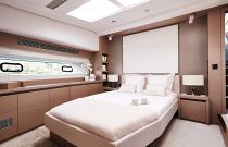 Prestige Yachts 680S VIP Cabin