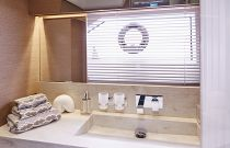 Prestige Yachts 680S Stone Counter top Head