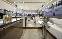 Prestige Yachts 680S Salon Walnut Wood