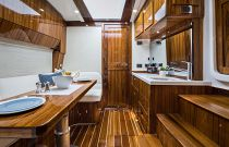 HCB Hydra-Sports 65 Cabin Teak & Holly