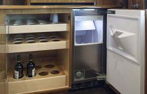 Viking 55 Convertible Ice Maker Salon