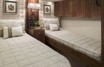 Viking-Yachts-92-Sky-Bridge-Guest-Stateroom-Bunks