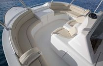 Viking-Yachts-92-Sky-Bridge-Extra-Seating