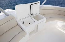 Viking-Yachts-92-Sky-Bridge-Details