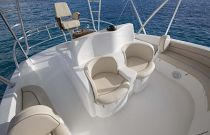 Viking-Yachts-92-Sky-Bridge-Seating-2