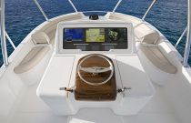 Viking-Yachts-92-Sky-Bridge-upper-command-center