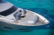 Princess Yachts Y85 Bow Lounge
