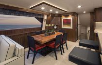 Viking Yachts 92C Dining Room