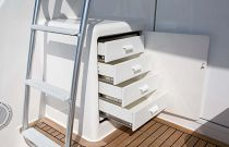 Viking Yachts 44 Convertible Tackle Station