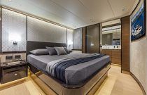 Master cabin on absolute navetta 68