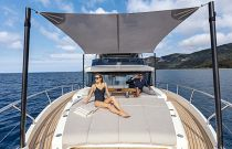 Bow Lounge canopy on Navetta 68