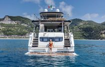 hydraulic swim platform on the absolute navetta 68