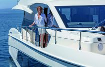 Absolute Yachts 62 Flybridge side walkway