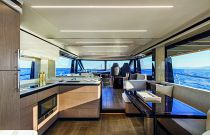 absolute 62 flybridge salon