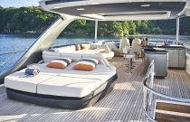 Princess Y85 Yacht Flybridge Entertaining space