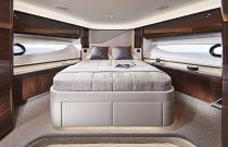 Guest Suite on the Princess Yachts V78
