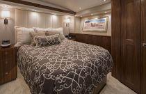 Viking Yachts 80 VIP Stateroom