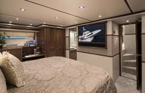 Viking Yachts 80 Master Stateroom FWD