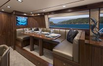 Viking Yachts 80 EB Dinette