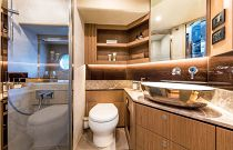 Bathroom on the Navetta 52