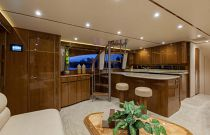 Viking Yachts 66 EB Salon Port