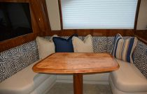 Viking Yachts 62EB Dinette