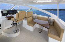 Viking Yachts 52 U-shape lounge