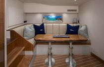 Viking Yachts 44 Open Dinette