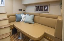 Viking Yachts 42 Sport Tower Dinette