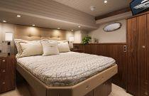 Viking Yachts 75 MY VIP Stateroom