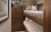 Viking Yachts 80 Stateroom Bunk Bed
