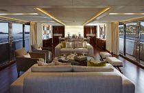 Princess Yachts 40 Meter Salon FWD