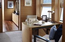 Princess Yachts 40 Desk