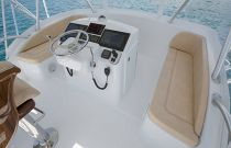 Viking Yachts 37 Billfish Tower Electronics And Jump Seats