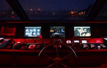 Princess Yachts 30M Helm electronics Night Vision