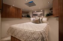 Viking Yachts 72C 3rd Stateroom