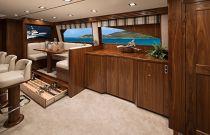 Viking Yachts 72C Entryway