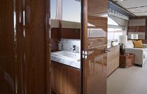 Princess Yachts Y82