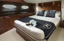 Princess Yachts 82 MY Guest Cabin Queen Berth