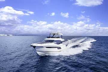 Prestige Yachts 520 Flybridge