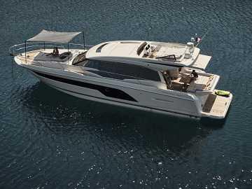 Prestige Yachts 590S